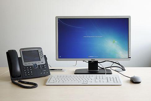 Moderner PC-Arbeitsplatz - © HTW Berlin / Torsten Rack