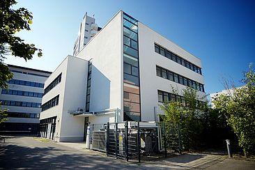 Das HRZ-Gebäude auf dem TGS-Gelände